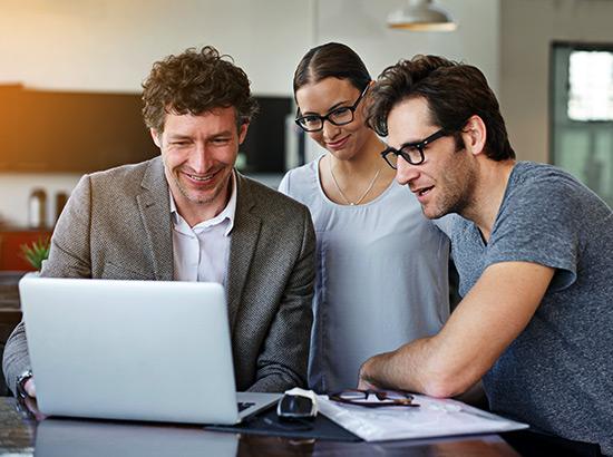 Digital Competitor Analysis through Milestone Insights